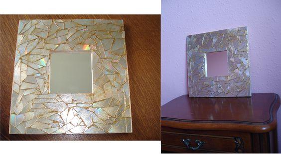 Participation Anne Sophie #Adulte  Bonjour, voici ma création pour la fête des mères, un miroir car ma maman c'est la plus belle :)!!  Donc j'ai eu besoin d'un miroir avec un cadre en bois brut, de la colle forte, des vieux cd publicitaires, des ciseaux, et de la colle à paillettes or.  J'ai découpé les cd en petit morceaux, j'ai ensuite collé les morceaux sur le cadre du miroir en essayant de les faire coincider, une fois la colle sèche j'ai fait les joints avec de la colle à paillette...