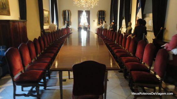 Moedas com a imagem de todos os presidentes do Chile