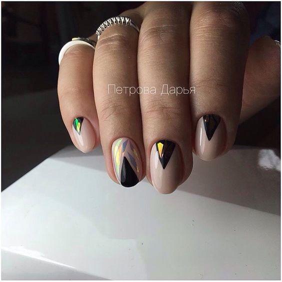 Гель лак на овальных ногтях, Двухцветный маникюр, Дизайн ногтей битое стекло, Идеи маникюра битое стекло, Идеи осеннего маникюра, Маникюр на овальные ногти, Молодежный маникюр, Офисный маникюр