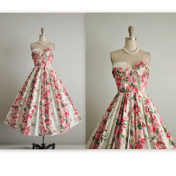 50's Strapless Floral Dress // Vintage 1950's by TheVintageStudio