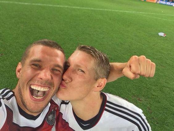 WM 2014 : Deutschland gegen Argentinien Lukas Podolski und Sebastian Schweinsteiger beste Freunde mit vier Sternen!