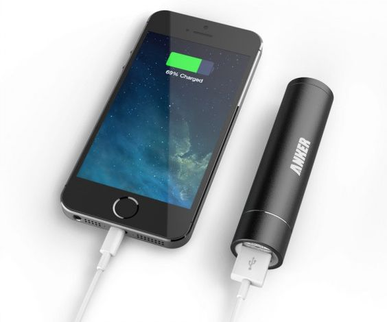 Compact backup power for your iPhone with Astro Mini - Jaunti Travel