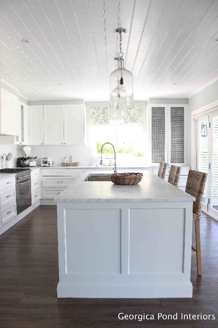 Hamptons style home tour utm source rss utm medium rss for Hampton style kitchen stools