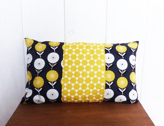 Textiles and deco on pinterest for Housse de coussin scandinave