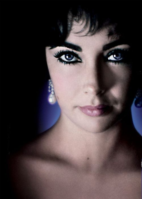Elizabeth Taylor. She looks like my Mother in this picture.