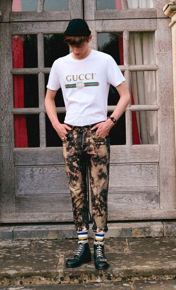 GUCCI(グッチ)ロゴTシャツ