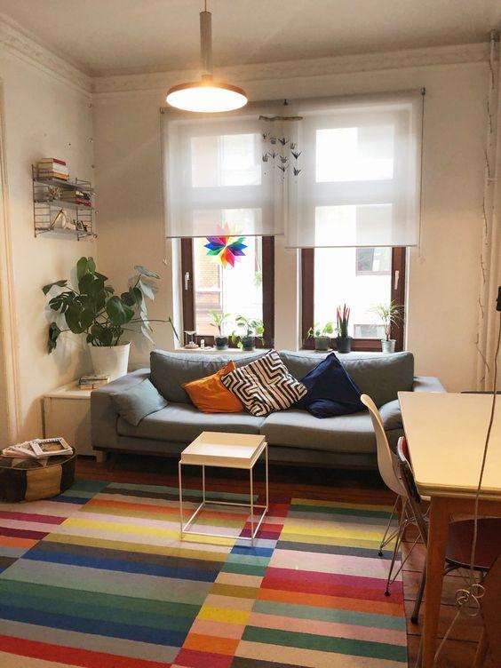 Buntes Wohnzimmer In Hamburg In 2020 Wohnzimmer Bunt Dekor Zimmerdekoration