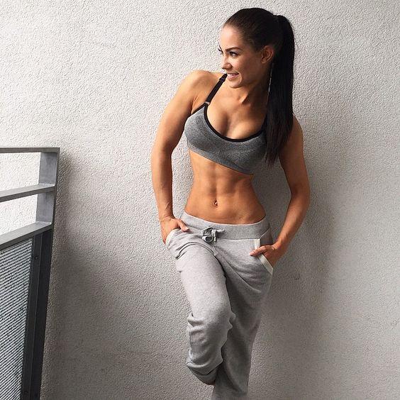 Women Female Fitness Goals Abs Workout Gym Exercise Toned Body Sports Bra Grey Sweatpants StephanieDavisFitness