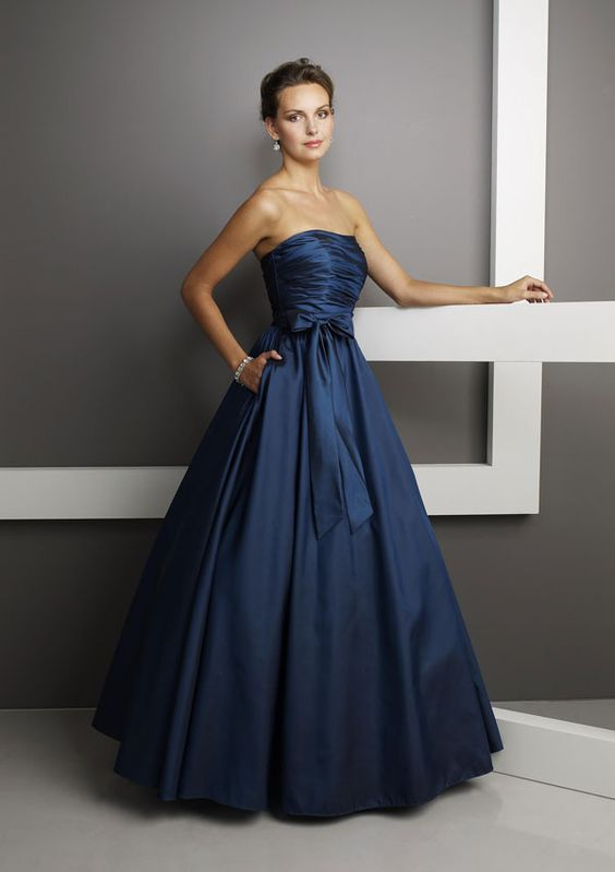 HEYYYY here's my bridesmaids' dress!! same color, marine blue too ...