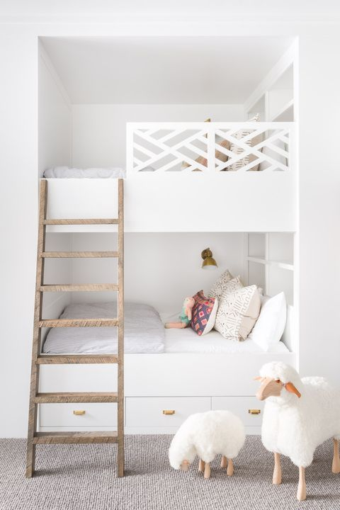 House Tour A Park City Weekend Retreat Where Modern And Mountain Chic Mingle Modern Bunk Beds Shared Girls Bedroom Bunk Bed Designs