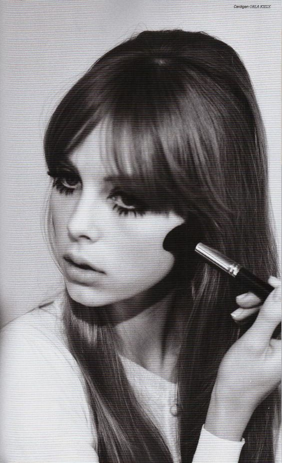 Vintage~esque. Retro 60s/70s look. Edie Campbell photographed by Jessie Lily…