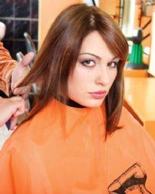 Devojke sa tankom dlakom sanjaju samo o jednoj stvari, da imaju što bolji volumen! Ipak, postoji rešenje koje će vam pomoći da vaša kosa deluje bujnije i gušće.