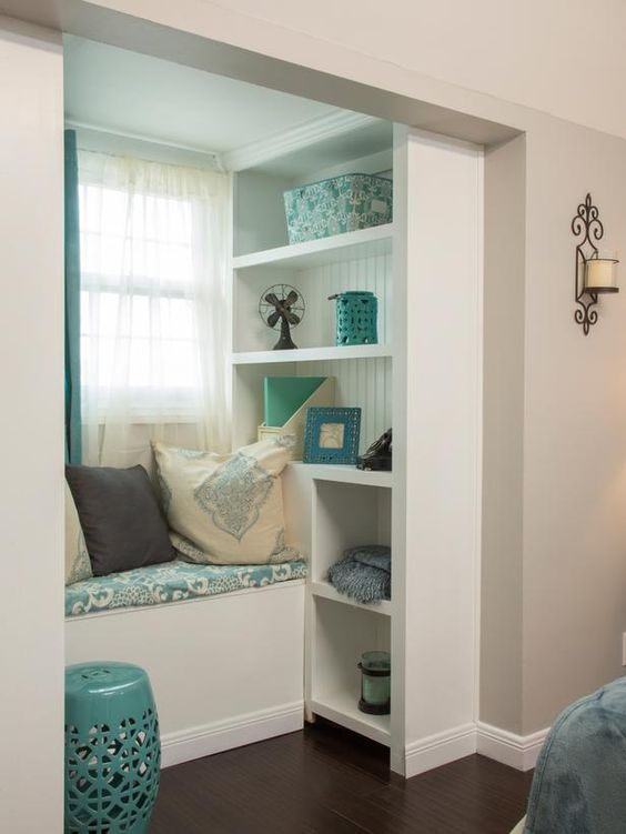 As seen on HGTV's Brother Vs Brother. Episode 4:  #TeamJonathan Guest Bedroom