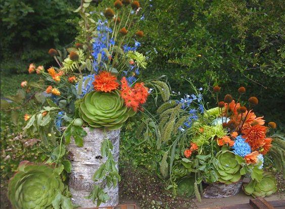 Composizione floreale con #dalie e #succulente  #blu #arancione #fiori  #orange #flowers