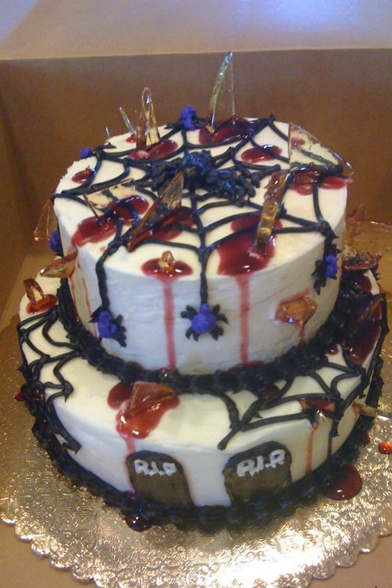 "Halloween cake with ""shards of glass"""