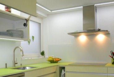 Küche mit Glasrückwand - Helligkeit