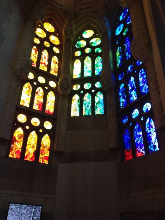Vitrales de la catedral La Sagrada Familia de Gaudí. Realmente impresionante. Si se va a Barcelona se debe visitar.
