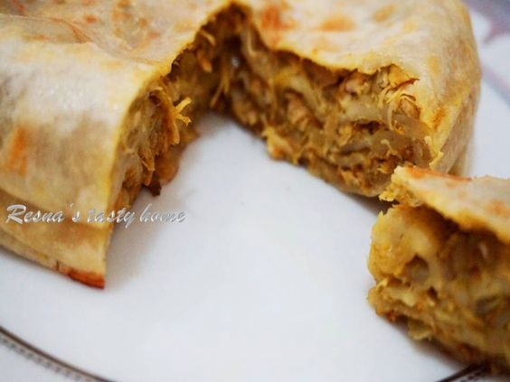 Resna's tasty home: Chicken chatti pathiri/ Chatti pathil (Layered pas...