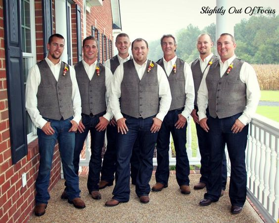 Groom & groomsmen photo