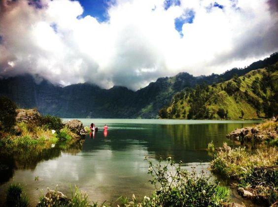 Hiking Mount Rinjani: the three day trek I wasn't prepared for
