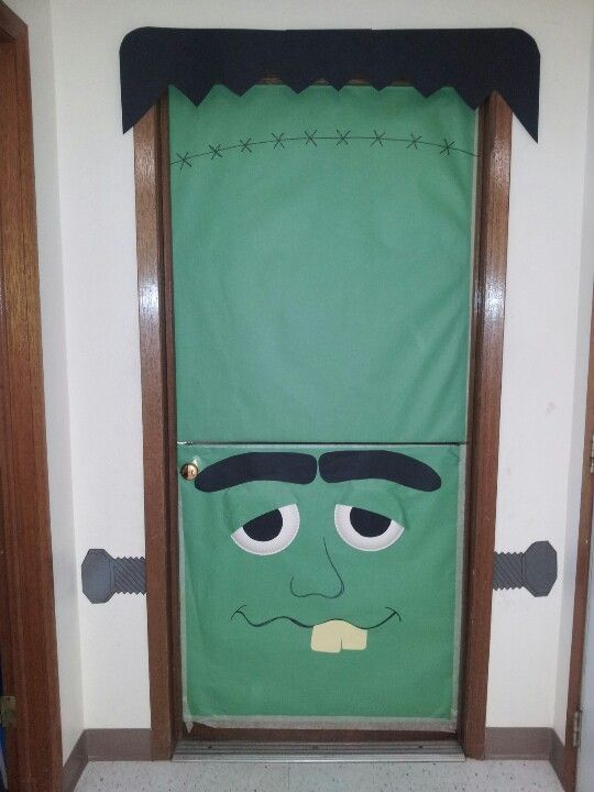 Dutch door halloween frankenstein door for halloween day for Half door ideas