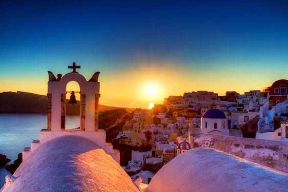 Santorini, where the most beautiful sunsets happen. #dreamwedding #sunset #santorini #wanderlust #destinationwedding