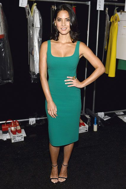 Olivia Munn Before Alison Pill Was Flaunting Her Assets -8357