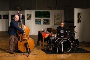 Georg Wolf (Kontrabass), Lou Grassi (Schlagzeug) - Konzertfotograf Kassel http://blog.ks-fotografie.net/konzertfotografie/drummer-lou-grassi-live-konzertfotografie/