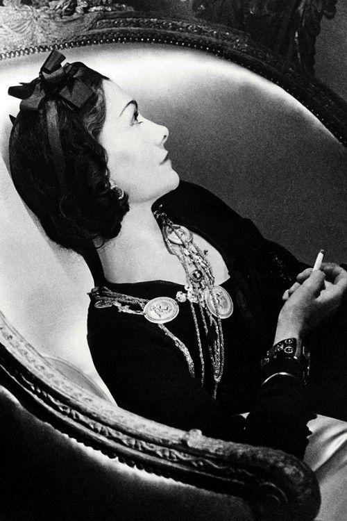 Gabrielle 'Coco' Chanel - 1937 - Paris - Photo byHorst P.Horst - http://www.amazon.de/Chanel-Woman-Her-Axel-Madsen/dp/0805016392