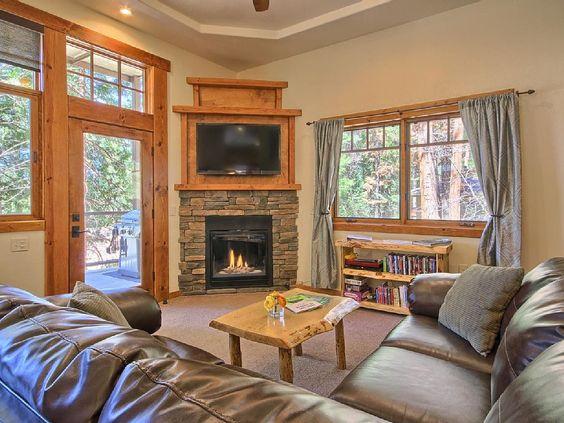 VRBO.com #4249303ha - Serenity Suite- Luxury for Two. King Bed, Inside Park Gates, Highest Reviews