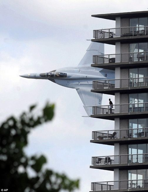 F a 18 fighter jet buzzes detroit apartment building on for Apartments near texas motor speedway