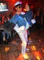 Es ist Show-und #Partytime im #QBerlin mit der US Navy. Damit erleben Sie die besondere Stripshow mit Qualität! Das #US #Navy Kostüm von #Stripper Vince Dean ist sehr detailgetreu nachgearbeitet und entspricht sehr der authentischen #Abbildung der Helden in der Filmgeschichte.