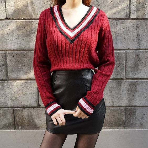 : @mixxmix_girl More Edge in Autumn . Stripe Accent V-Neck Knit Sweater ☞ http://goo.gl/otfaHo . #mixxmix #mxm #hideandseek #365basic #has #mixgirl #mixwoman #girlfriend #twinslook #outfit #dailylook #styling #koreanfashion #streetfashion #koreangirls #casual #trendy #simple #basic #lovely  #unique #original #fashionistargram