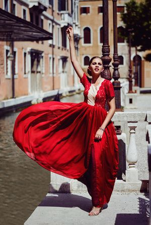 We love red...more beautiful dresses by Nadine Cendelin now online on www.nelou.com
