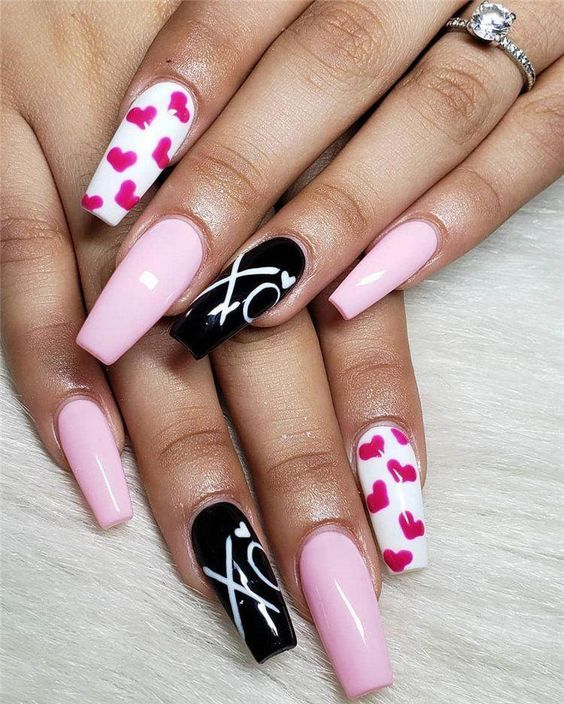 21 Cute Valentine S Day Nail Design Ideas To Shine In 2020 Valentine S Day Nail Designs Nail Designs Valentines Heart Nail Designs