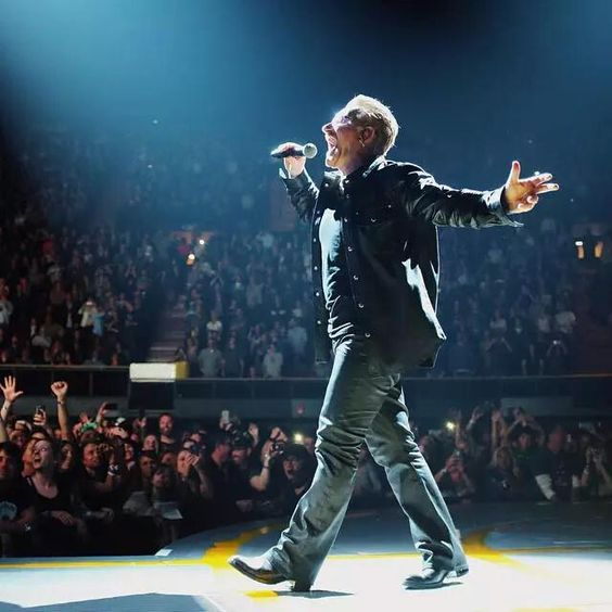 """excellent night in Montreal. The #U2ieTour is great. U2 are the best, Thanks for everything. """"Bono is God"""" #U2MTL"""