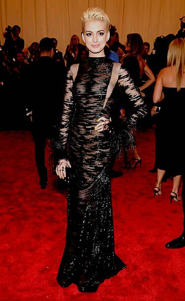 Anne Hathaway Met Gala 2013 - love her hair, and i think she's the only one who got the punk theme right. Pulled of glamorous and edgy