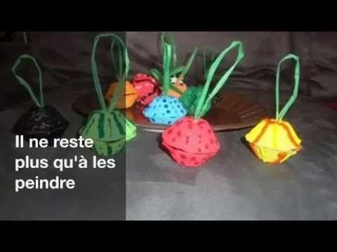 faire des boules de Noël avec carton emballage d'oeufs