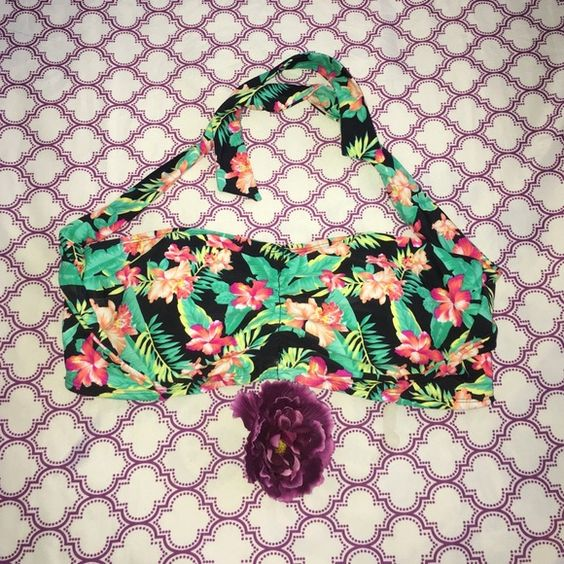 Size 2x Bikini Top new without tags New without tags bikini top. Fits size 2x. Soft cup. No wiring. Ties at neck. Swim