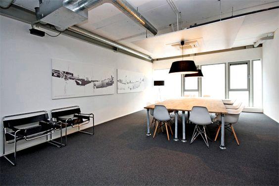 Kleinschalige kantoorruimtes te huur op steenworp afstand van Amsterdam Centraal Station
