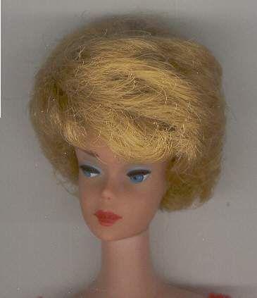 1962 Ash Blonde BubbleCut original red lips (most are pink or coral) No se ve muy cenizo, rubio claro