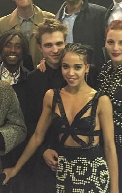 IG: Rob, twigs & the group at the 2015 Brit Awards