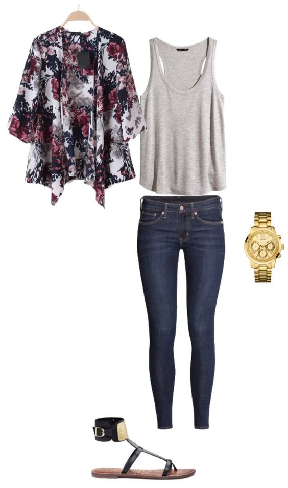 Kimono + Jeans + Sandals = great summer outfit. Outfit of the Day 3 from my capsule wardrobe. #capsule #capsulewardrobe #ootd #outfitoftheday: