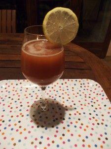 Pour le goûter ou l'apéro, une idée de cocktail sans alcool aux jus de cranberry / orange et à la framboise