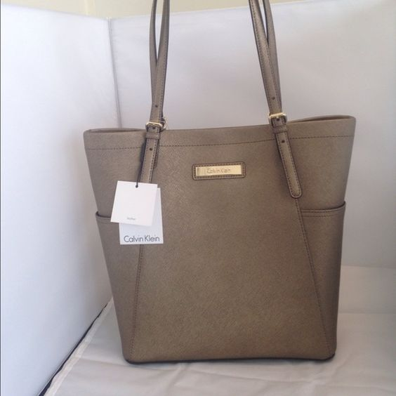 Calvin Klein shoulder bag-Authentic Calvin Klein shoulder bag - metallic gold bronze -leather Calvin Klein Bags Shoulder Bags