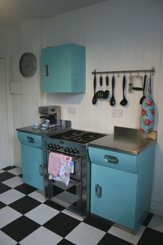 1950s english rose blue vintage kitchen kitchen units for Kitchen units and worktops