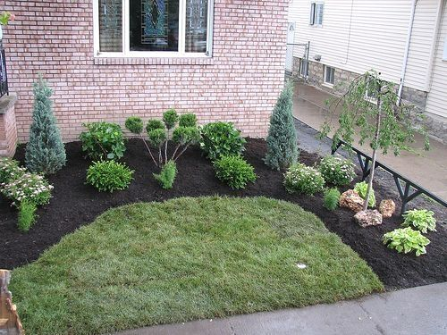33 Small Front Garden Designs To Get The Best Out Of Your Small Space Front Yard Landscaping Design Easy Backyard Landscaping Cheap Landscaping Ideas