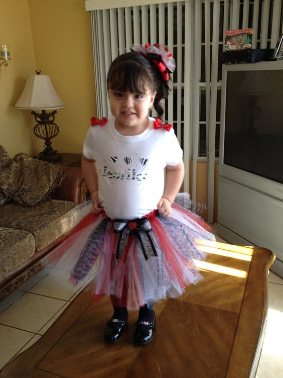 Valentines day tutu outfit.   3 pc skirt, top and Hairbow $32.   Contact Veronica text 8064402716