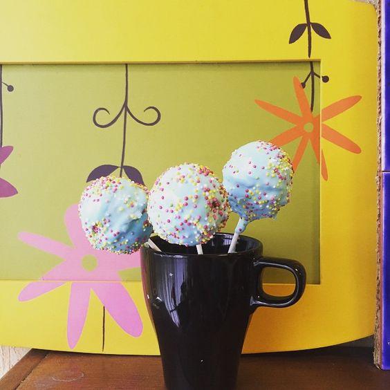 """""""Saturday means POPCAKE ! #sweet #cake #popcake #sugar #food #fun"""""""