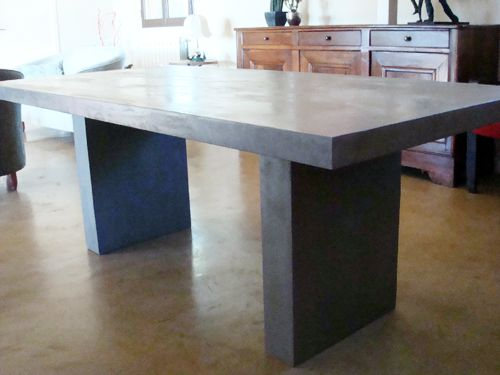 Table a manger table salle a manger beton cire for Table salle a manger beton cire